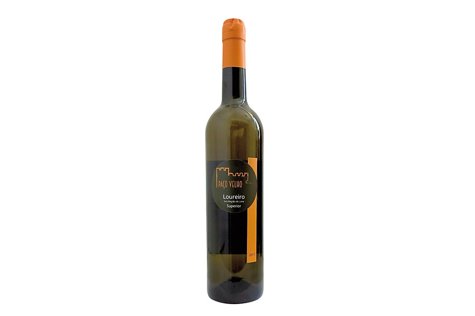 Green wine Loureiro Superior
